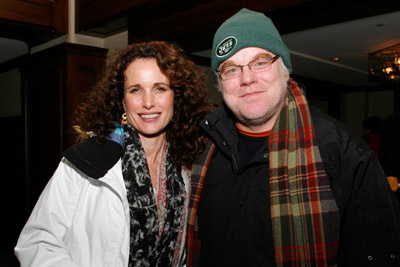 Philip Seymour Hoffman and Andie MacDowell