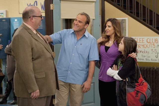 Maria Canals-Barrera, Bill Chott, David DeLuise, and Bailee Madison in Wizards of Waverly Place (2007)