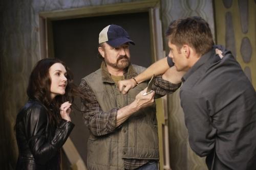 Rachel Miner, Jensen Ackles, and Jim Beaver in Supernatural (2005)