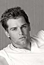 Mike Vogel's primary photo