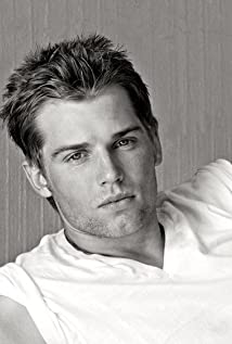 mike vogel wife