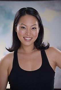Aktori Sarah Surh