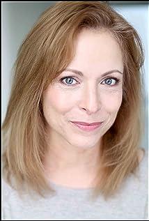 Aktori Jennifer Enskat