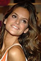 Image of Izabel Goulart