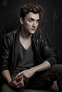 Kyle Gallner Picture