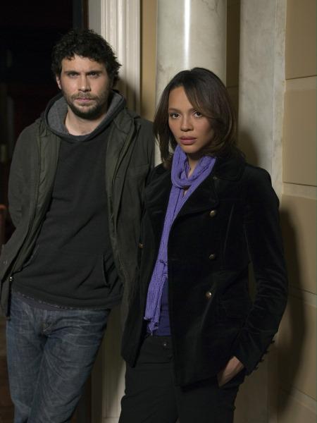 Jeremy Sisto and Carmen Ejogo in Kidnapped (2006)