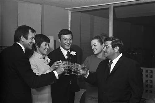 Vidal Sassoon and Beverly Adams on their wedding day (Buddy Hackett also pictured)