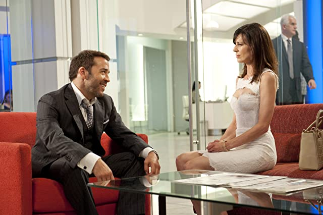 Jeremy Piven and Perrey Reeves in Entourage (2004)