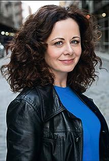 Aktori Geraldine Hughes