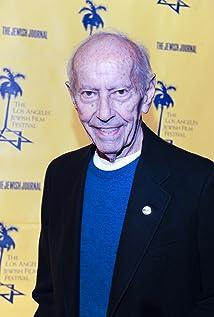 Aktori Curt Lowens