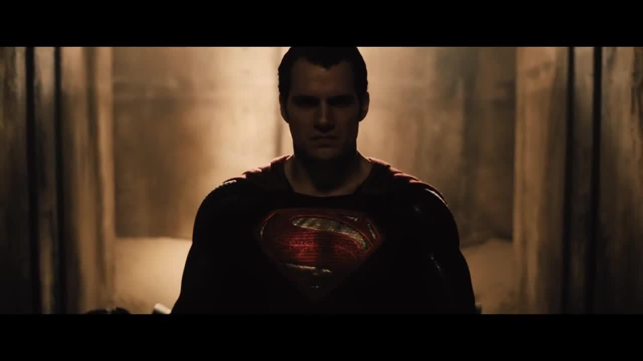 Batman V Superman >> Exclusive Sneak Peek from Batman v Superman: Dawn of Justice (2016)