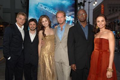 Emmy Rossum, Andre Braugher, Freddy Rodríguez, Josh Lucas, Mía Maestro, and Mike Vogel at Poseidon (2006)