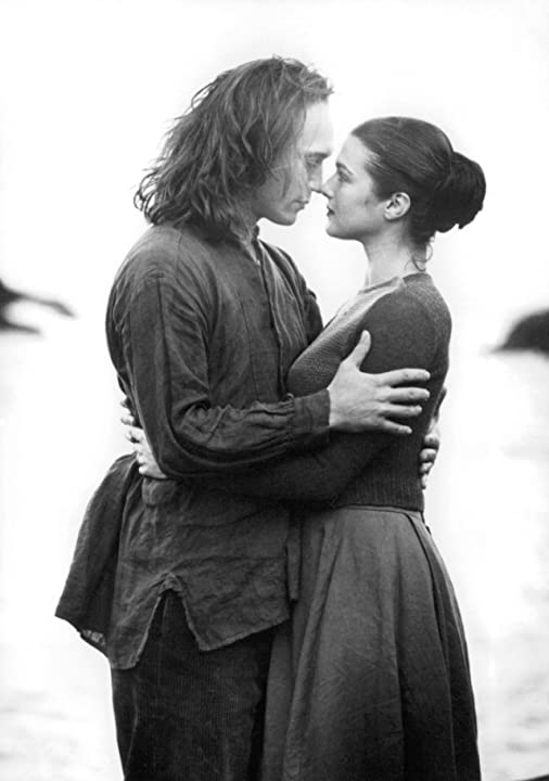 Vincent Perez and Rachel Weisz in Amy Foster (1997)