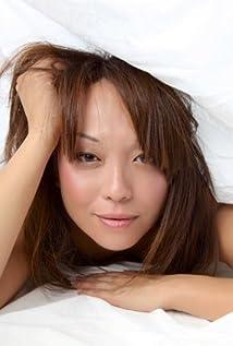 Aktori Naoko Mori