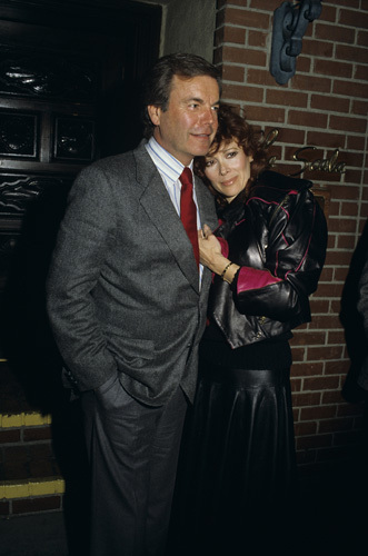 Robert Wagner with Jill St. John in front of La Scala circa 1980s