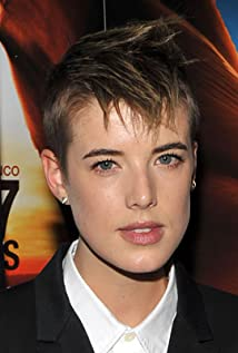 Agyness Deyn earned a  million dollar salary - leaving the net worth at 6 million in 2018
