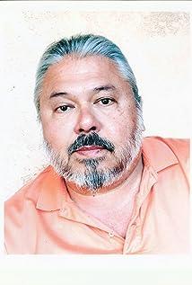 Aktori Ralph Brannen