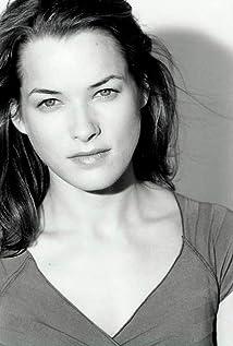 Aktori Nicole DeHuff