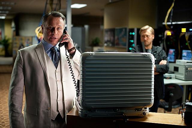 Samuli Edelmann and Michael Nyqvist in Mission: Impossible - Ghost Protocol (2011)