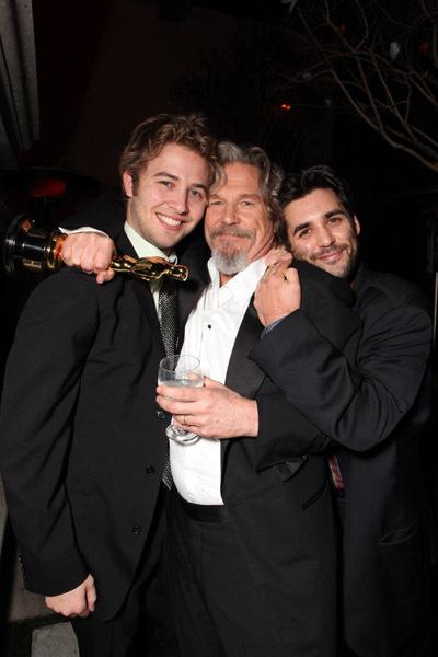 Jeff Bridges, Dylan Bridges and Jordan Bridges at event of The 82nd Annual Academy Awards