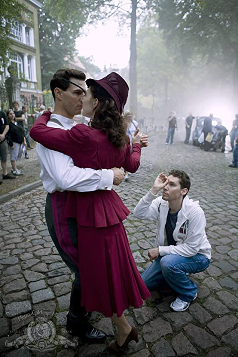 Tom Cruise, Bryan Singer, and Carice van Houten in Valkyrie (2008)