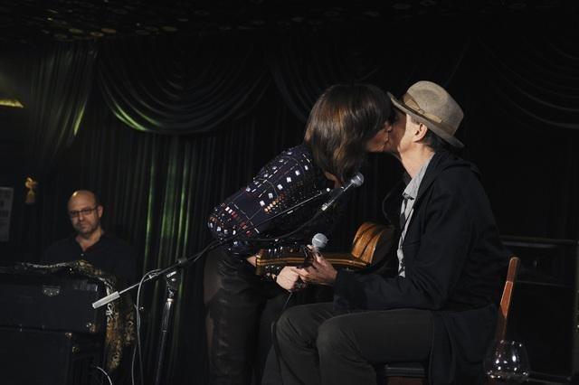 Allison Janney and James Taylor in Mr. Sunshine (2011)