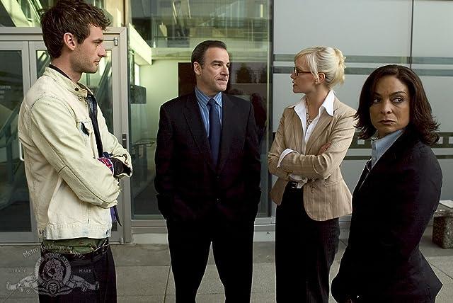Mandy Patinkin, Jasmine Guy, Callum Blue, and Laura Harris in Dead Like Me (2003)