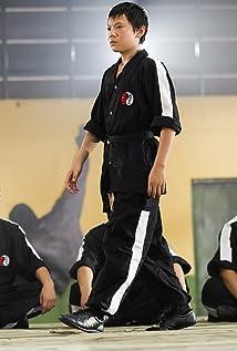 Aktori Zhenwei Wang