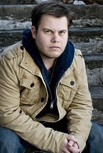 Aktori Josh Warren