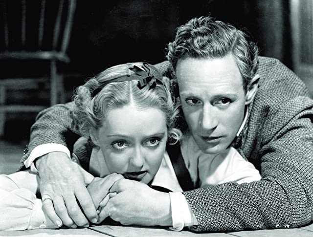 Bette Davis and Leslie Howard in The Petrified Forest (1936)