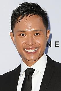 Aktori Adrian Voo