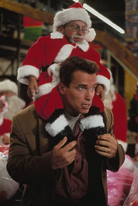 Arnold Schwarzenegger and Verne Troyer in Jingle All the Way (1996)