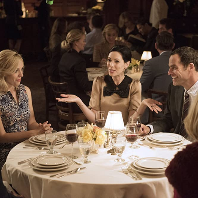Joanna Cassidy, Jill Kargman, Abby Elliott, Andy Buckley, and Sean Kleier in Odd Mom Out (2015)
