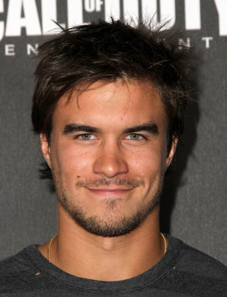 rob mayes birthday