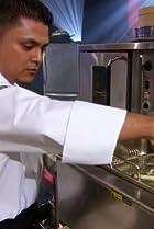 Image of Iron Chef America: The Series: Masaharu Morimoto vs. Amanda Cohen: Broccoli