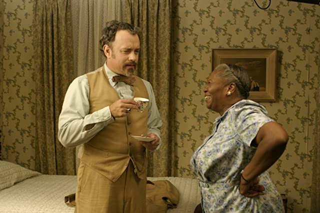 Tom Hanks and Irma P. Hall in The Ladykillers (2004)