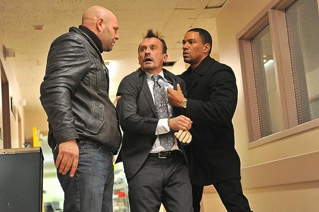 Laz Alonso, Robert Knepper, and Domenick Lombardozzi in Breakout Kings (2011)