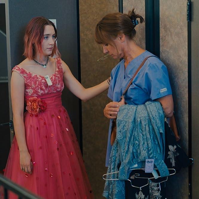 Laurie Metcalf y Saoirse Ronan en Lady Bird (2017)