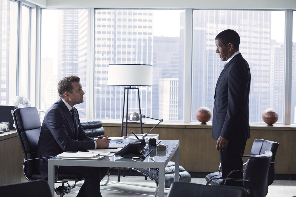 Suits S07E01 – Skin in the Game, film serial online subtitrat în Română