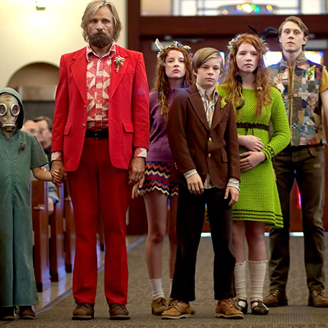 Viggo Mortensen, George MacKay, Annalise Basso, and Nicholas Hamilton in Captain Fantastic (2016)