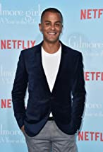 Yanic Truesdale's primary photo