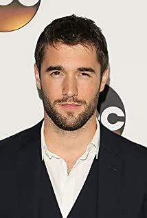 Josh Bowman New Picture - Celebrity Forum, News, Rumors, Gossip