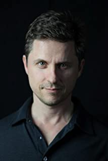 Max Bartoli Picture