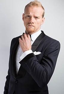 Aktori Yuri Kolokolnikov