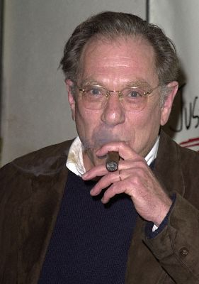 George Segal at Just Shoot Me! (1997)
