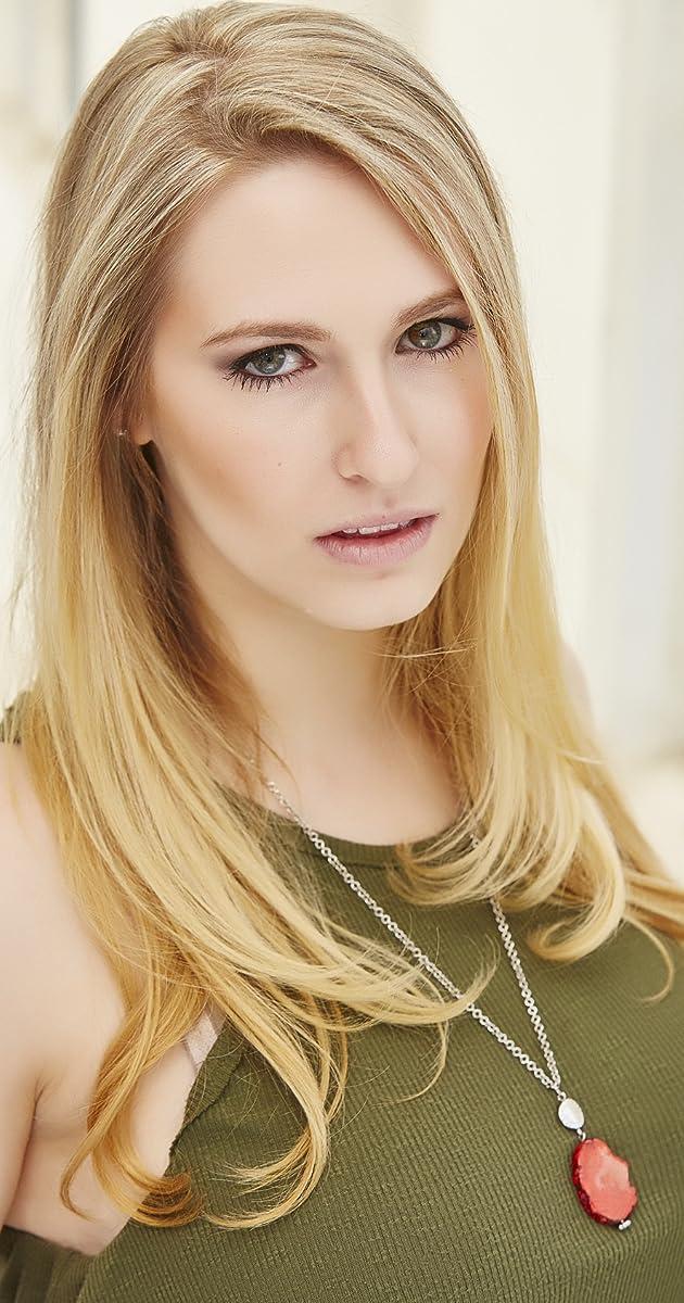 Stephanie Kerbis Nude Photos 35