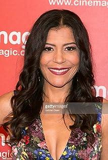 Susan Santiago Picture