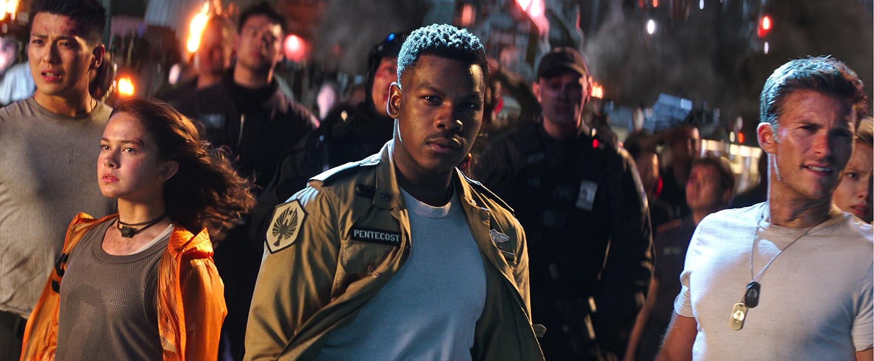 Scott Eastwood and John Boyega in Pacific Rim Uprising (2018)