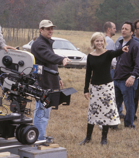 Reese Witherspoon and Andy Tennant in Sweet Home Alabama (2002)