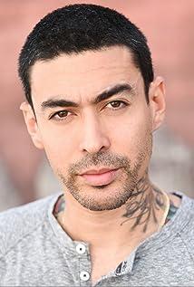 Aktori Gino Vento